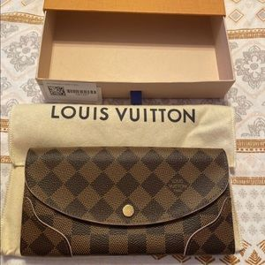Authentic Louis Vuitton Caissa Wallet